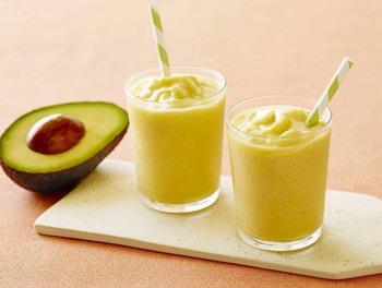 Avocado-Mango-Ginger-Smoothie