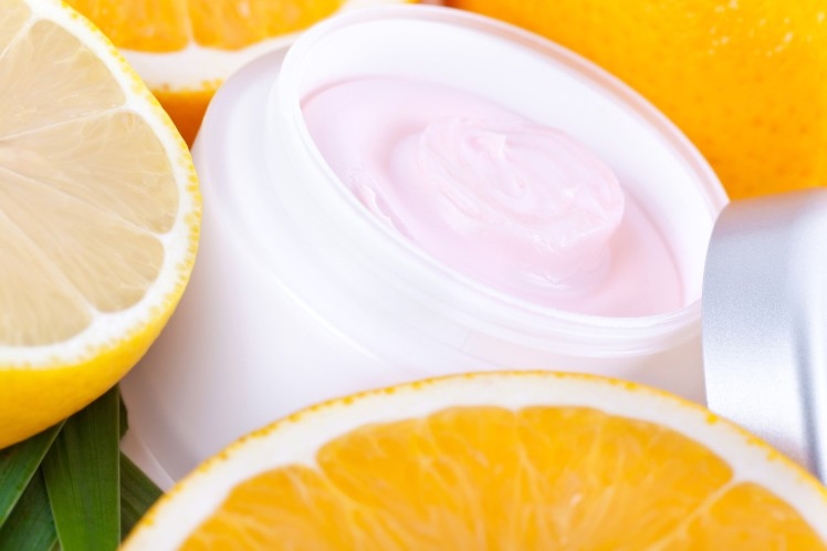 fruit-organic-nutrition-facial-cream
