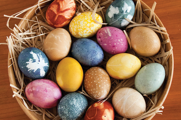 Naturally_Dyed_Eggs
