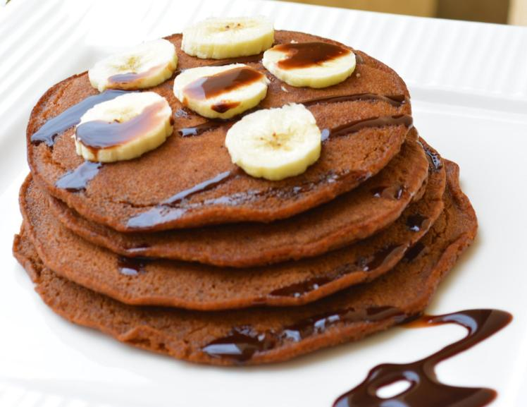 chocolate_pancakes_with_banana