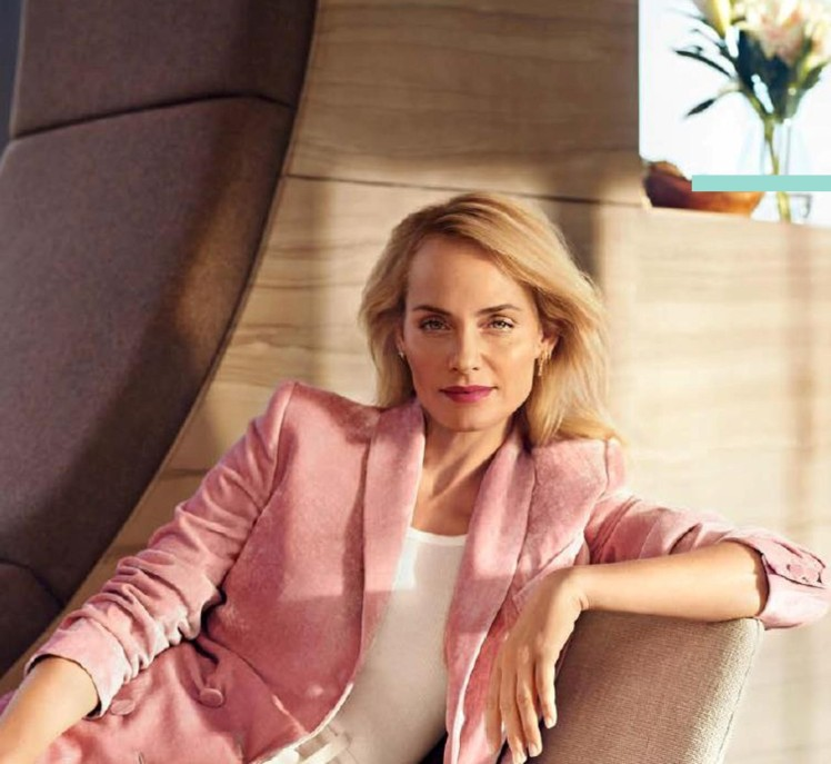 Amber Valletta_Product information-page-001